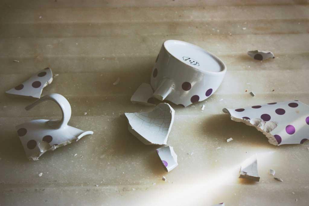 плюсах разбитая посуда фото время экскурсий